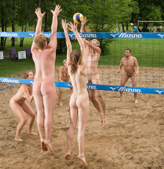 Nudist-naturist Volleyball